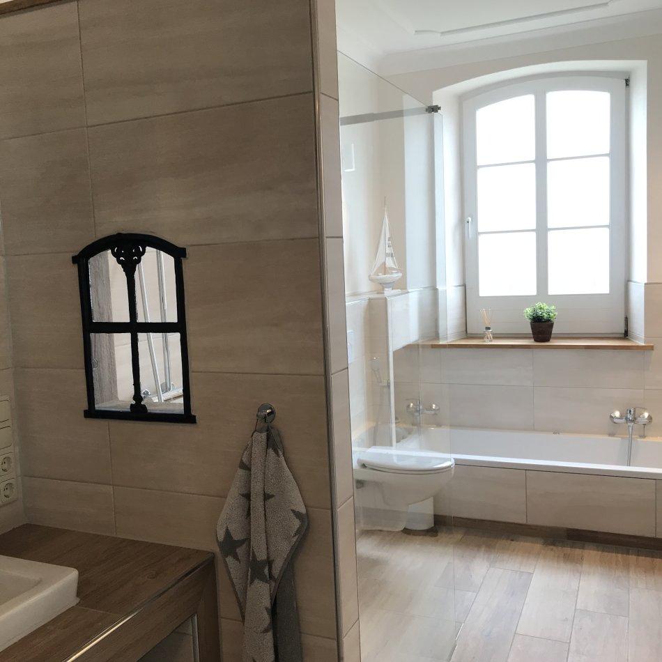 De gode Stuuv - Bad mit Dusche, WC und Badewanne