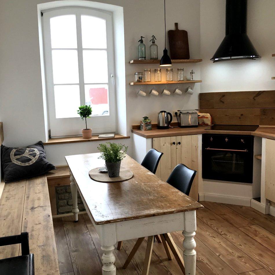 De gode Stuuv - Eßtisch in der Küche