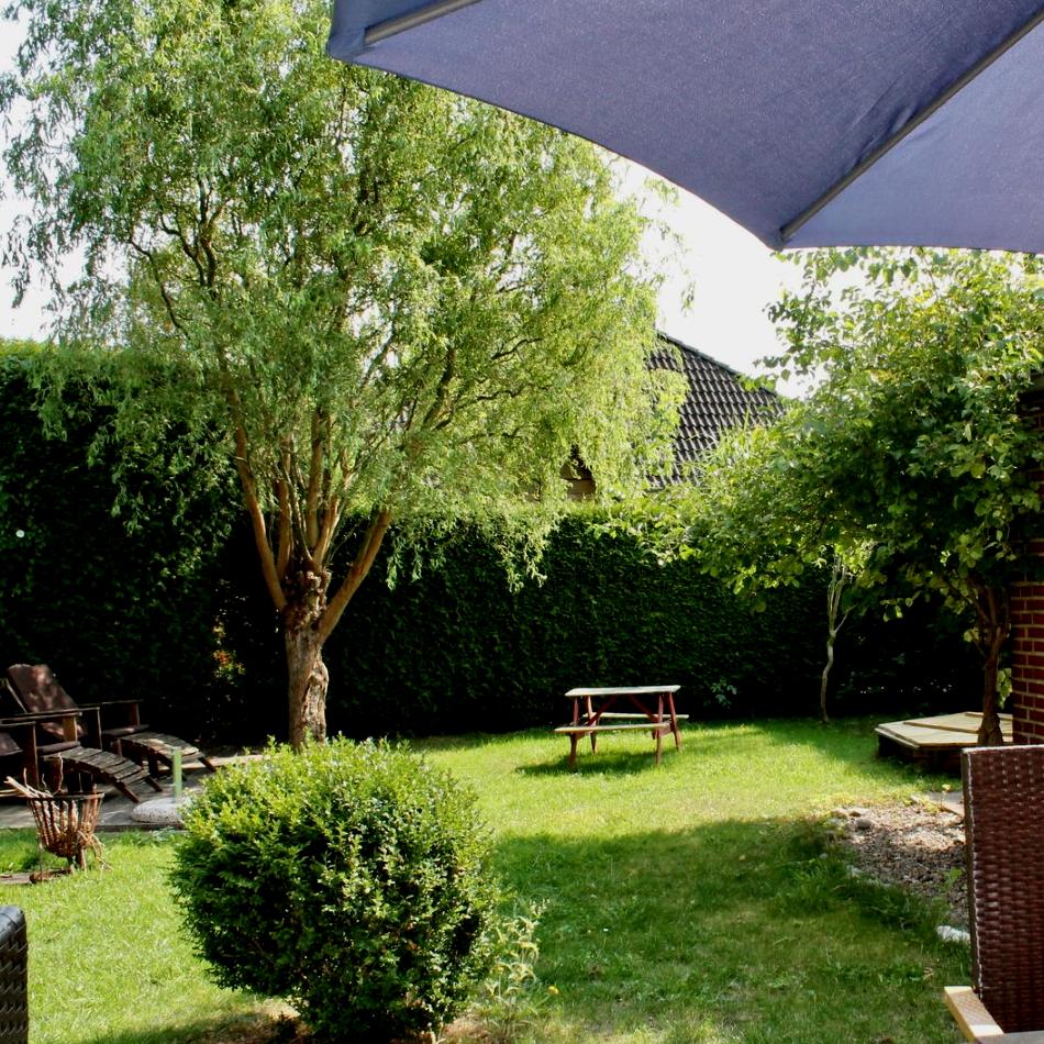 Garten mit blickdichter Hecke