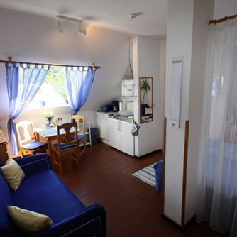 Ferienwohnung Hafenblick 5 Orth Wohnzimmer