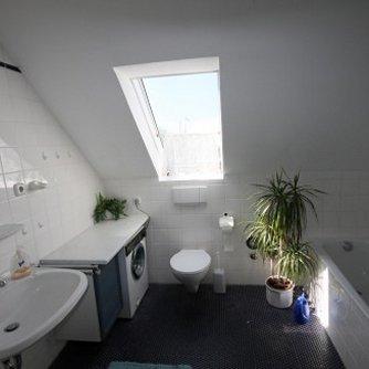 Ferienwohnung Hafenblick 6 Orth Badezimmer